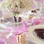 Svatební hostina - stolování
