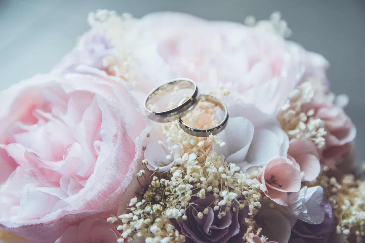 , Snubní i zásnubní prsteny